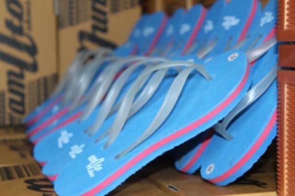 Bonus untuk setiap pembelian sepatu Amato. GRATIS!!